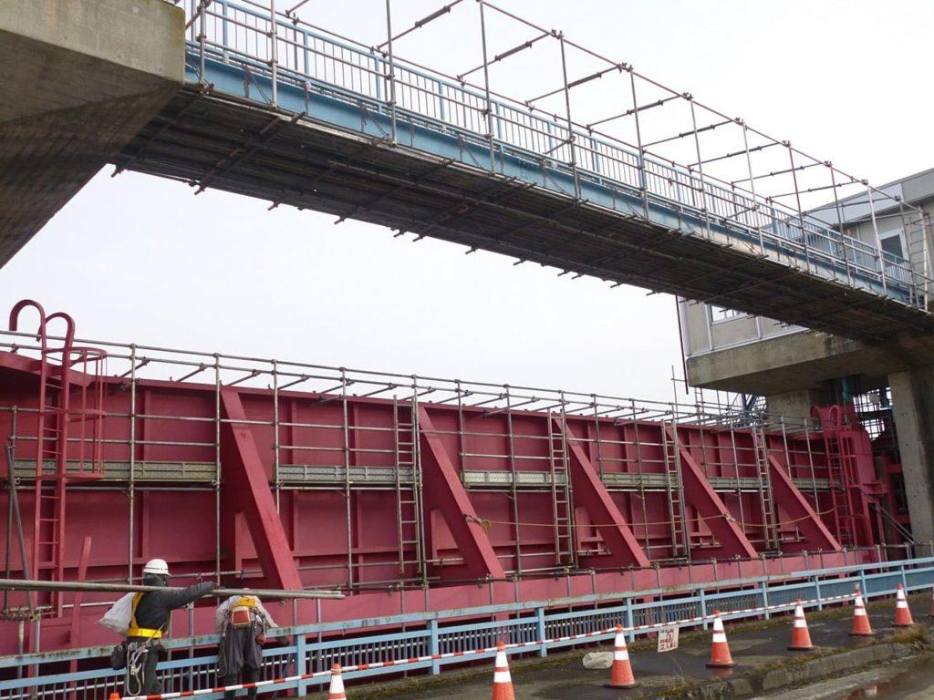 平成25年度 北上川水門塗装工事